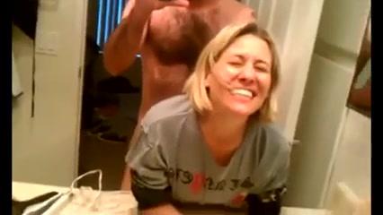 Han Lät Henne Fru Att Knulla Med En Annan Man - Gratis Porrfilm