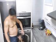En mogen fru fångas i handling och gör sex med älskare