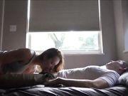 Amerikansk flicka med stora bröst gör sex med brorvän
